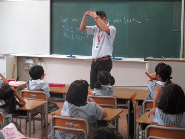 1年生の英語   ゆりっこ通信   百合学院小学校[兵庫・大阪 私立]